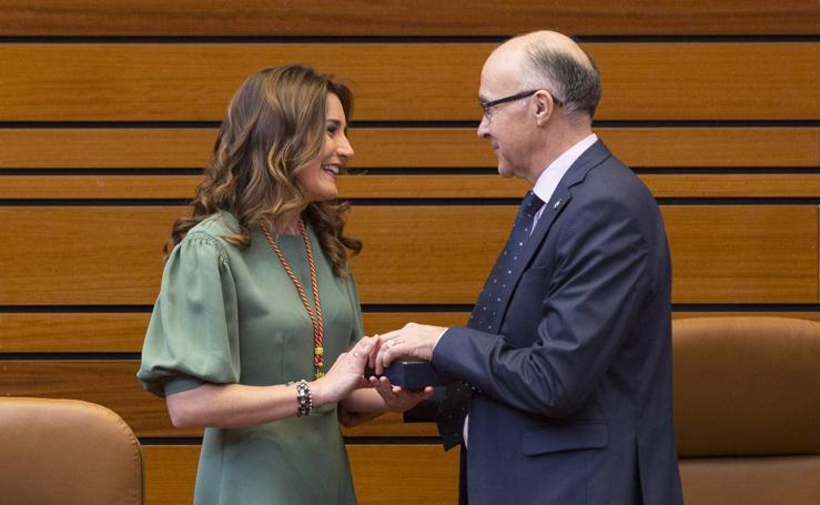 Toma de posesión de Raquel Sanz como procuradora del PP por Segovia en sustitución de Silvia Clemente