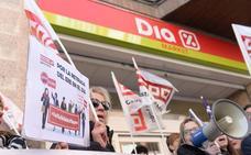 DIA plantea cerrar tres de sus tiendas en la provincia