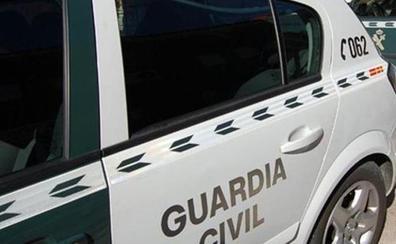 La Guardia Civil auxilia a un hombre de 82 años que sufrió una caída en el monte