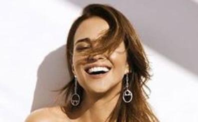 Maluma manda un ramo de rosas a Paula Echevarría