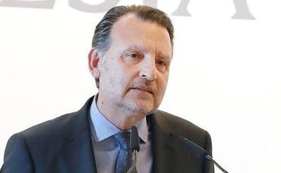 Basilio Sánchez recoge el Loewe de poesía