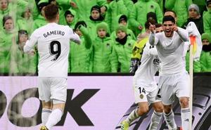 Guedes para el tiempo y el Valencia respira entre los ocho mejores