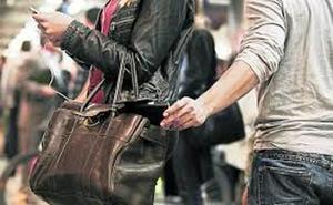 Roban 1.200 euros a una mujer en Burgos mediante el 'Timo de la mancha'