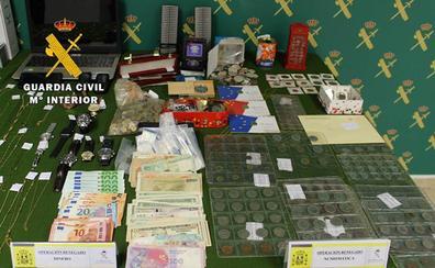 Una operación iniciada en Burgos permite detener a dos turistas por cometer 13 robos con fuerza en Portugal y Suiza