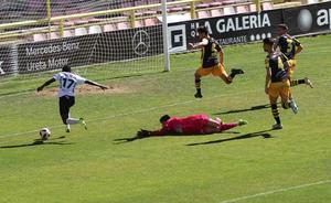 El Burgos CF busca tres puntos vitales para la permanencia