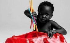 Dos niños de 2 y 3 años disparan la polémica al posar de modelos para Louis Vuitton