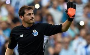 Iker Casillas renueva con el Oporto