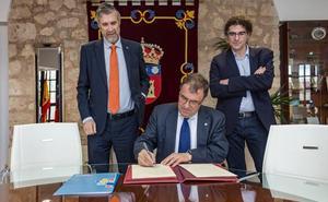Alberto Velasco toma posesión como miembro del Patronato de la Fundación General de la UBU