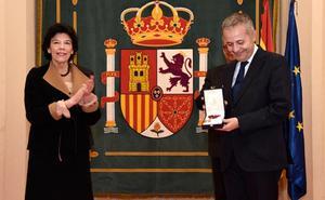 El profesor René Payo ingresa en la Orden Civil de Alfonso X el Sabio del Ministerio de Educación