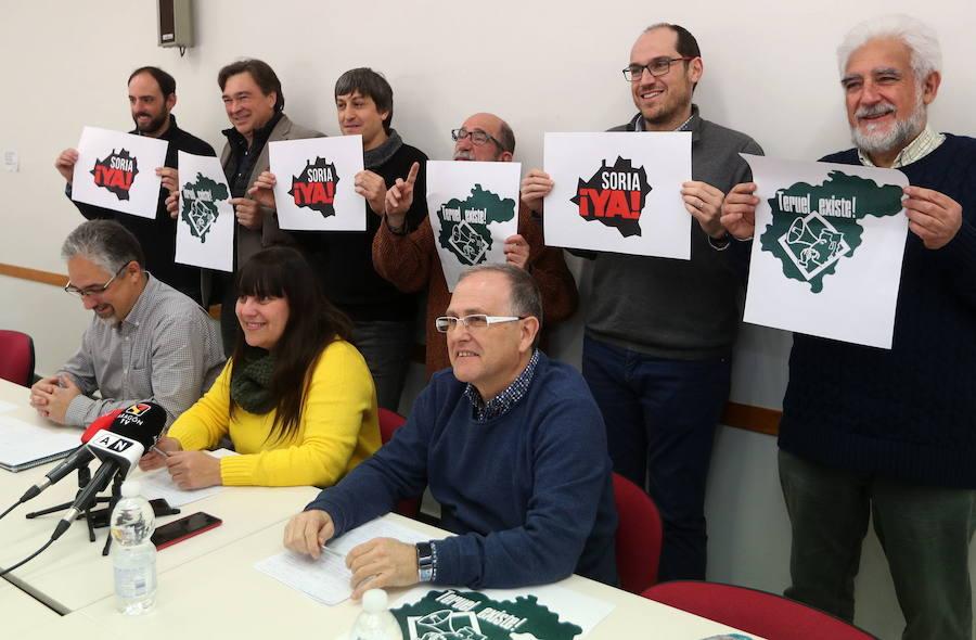 Miembros de las plataformas 'Soria Ya' y 'Teruel existe', que participarán en la marcha. /EFE