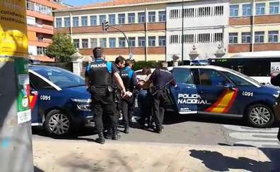 Denuncian a la Policía tras ser detenidos durante un acto de Vox en Delicias