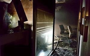 Un incendio arrasa una oficina en Victoria Balfé