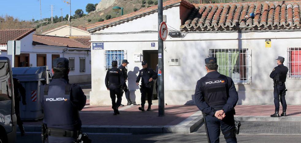 Ocupan una casa en el barrio vallisoletano de Girón y la convierten en un laboratorio de marihuana