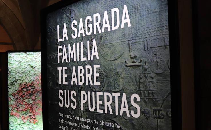 La exposición 'Gaudí y la Sagrada Familia en la Catedral de Burgos', en imágenes