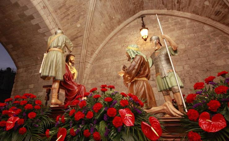 Cofradía de la Coronación de Espinas y Cristo Rey