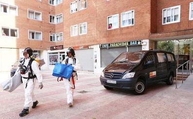 Un hombre fallece rodeado de basura en su piso de Palencia