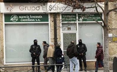 Vigilancia Aduanera señala a la mayor proveedora de Morchón como pantalla para dar cobertura legal al 'cambiazo' de los ataúdes