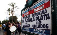 Masiva marcha de sindicatos y pymes en Argentina contra la política de Macri