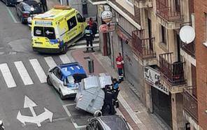 Dos jóvenes heridos y dos detenidos tras una multitudinaria pelea en la zona de Van Dyck en Salamanca
