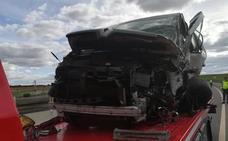 Un hombre muere tras la colisión de una furgoneta con un coche en Medina del Campo