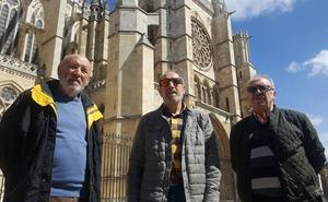 Los 'héroes' que salvaron a la Catedral de León: «Notre Dame sigue en pie y revivirá»