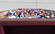 Un contenedor lleno de tapones y de investigación para combatir la diabetes