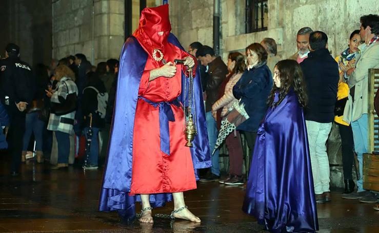 Procesión de la virgen del Amor Hermoso y el Misterio de la Coronación de Espinas