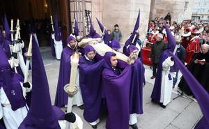 Burgos despide al Cristo Yacente