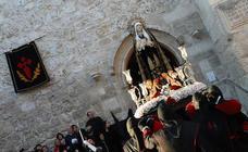 La procesión de Nuestra Señora de la Soledad, en imágenes