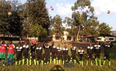La Fundación del Burgos CF envía otra remesa de camisetas para niños del Congo