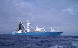 Los piratas atacan con granadas a un atunero español y a un buque coreano en el Índico