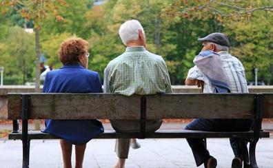 La pensión media en Castilla y León se sitúa en 975,80 euros frente a la media nacional de 987,93