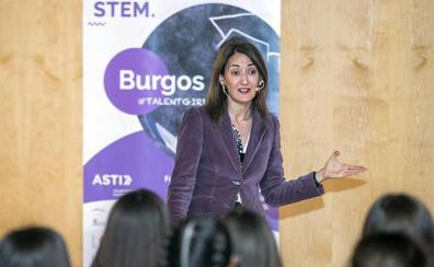 La directora de Soluciones Cognitivas de IBM imparte la sexta 'masterclass' del STEM Talent Girl