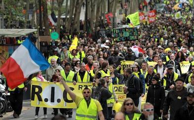 Los 'chalecos amarillos' vuelven a la calle en Francia tras los anuncios de Macron