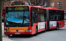 La nueva red de autobuses quedará aprobada en mayo aunque Santos ve «imposible» que esté en marcha antes del 2020