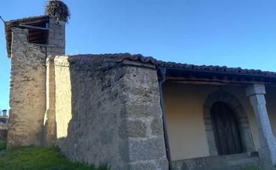Una pareja cuestiona que las campanas de la iglesia de un pueblo en Gredos cumplan la Ley del Ruido