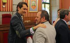 El secretario municipal se traslada a Canarias y el Ayuntamiento de Burgos lo sustituirá «cuando proceda»