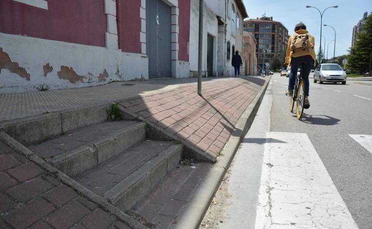 Estado actual del primer tramo de la calle Pozanos