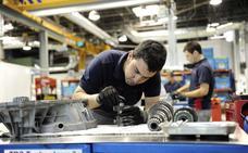 Los sindicatos pactan con Nissan 500 prejubilaciones y 100 salidas voluntarias