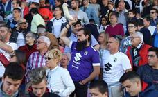 La afición no ha parado de animar al Burgos CF en el partido de la salvación ante el Celta B