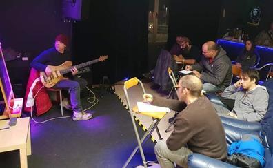 Nace en Valle de Mena la primera escuela de rock con la aspiración de diversificar el panorama musical comarcal