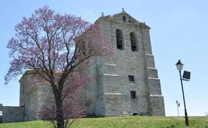 La iglesia de Villatoro reabre sus puertas tras cinco años cerrada al culto
