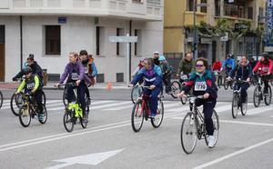 Burgos se llena de bicicletas por una buena causa