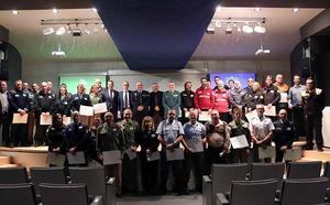 Reconocen la labor de una treintena de empleados de seguridad privada y de dos empresas
