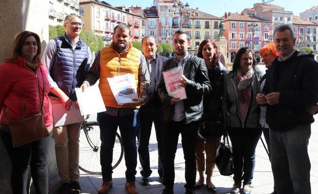 Los representantes vecinales han acudido juntos al Ayuntamiento