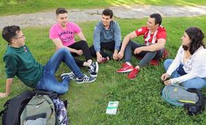Los jóvenes burgaleses no se 'encuentran' en los discursos políticos pero votarán «al menos malo»