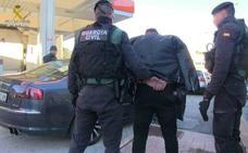 Liberadas trece mujeres explotadas en la calle y en burdeles por una banda internacional