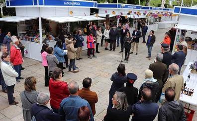 La Feria del Libro de Burgos abre sus puertas en el Paseo del Espolón