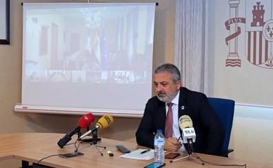 La falta de miembros y un problema con una cerradura retrasan la apertura de algunas mesas en Burgos
