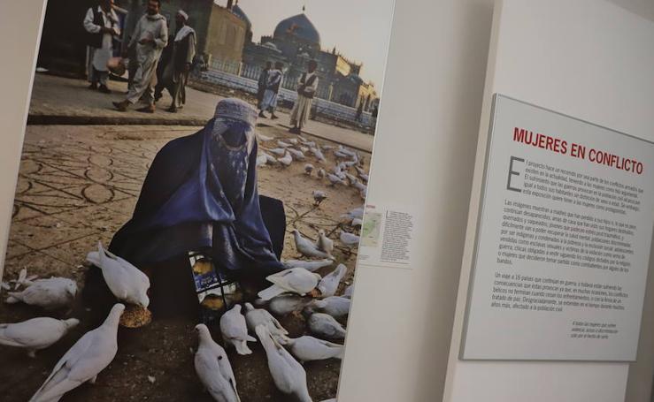 Imágenes de la exposición 'Mujeres en conflicto'